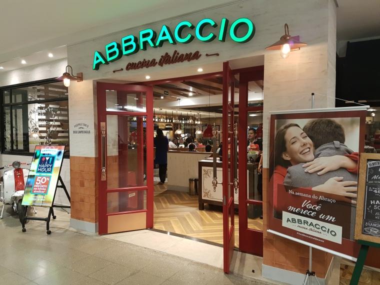 Abbraccio Center 3 (2)