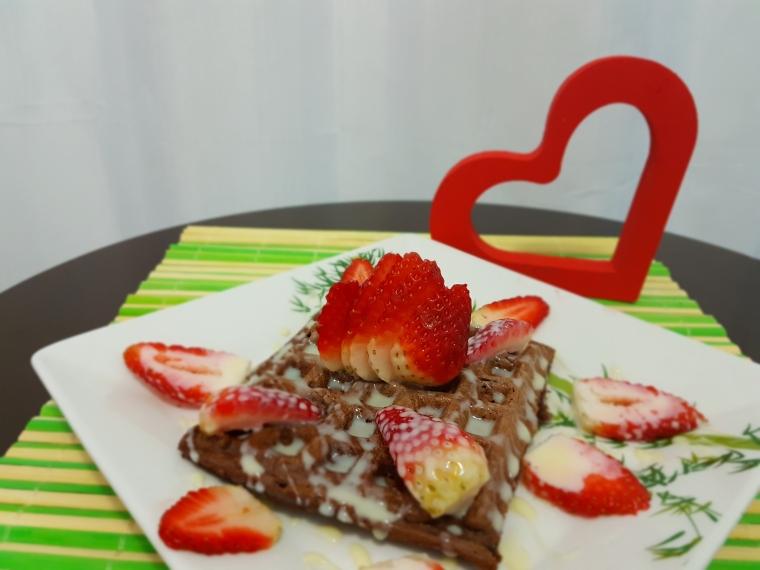 waffle chocolate com morango